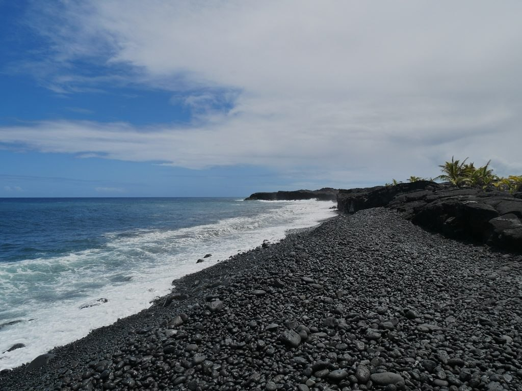 Black sand beachBlack sand beach - Big Island