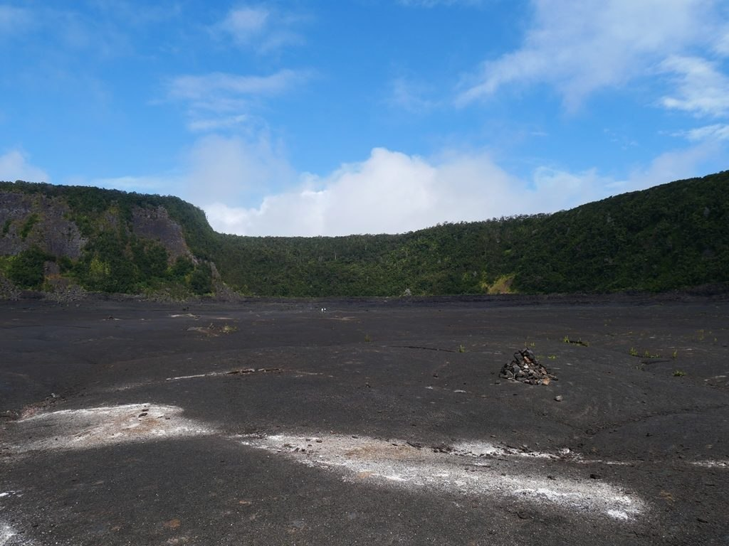 NPS Hawaiian Volcanoes park - Kilauea iki crater
