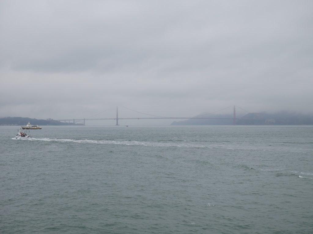 Golden Gate Bridge - vue depuis le ferry à San Francisco