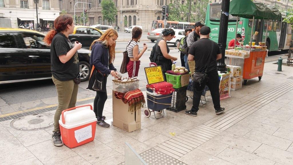 Bouffe de rue devant l'université Santiago