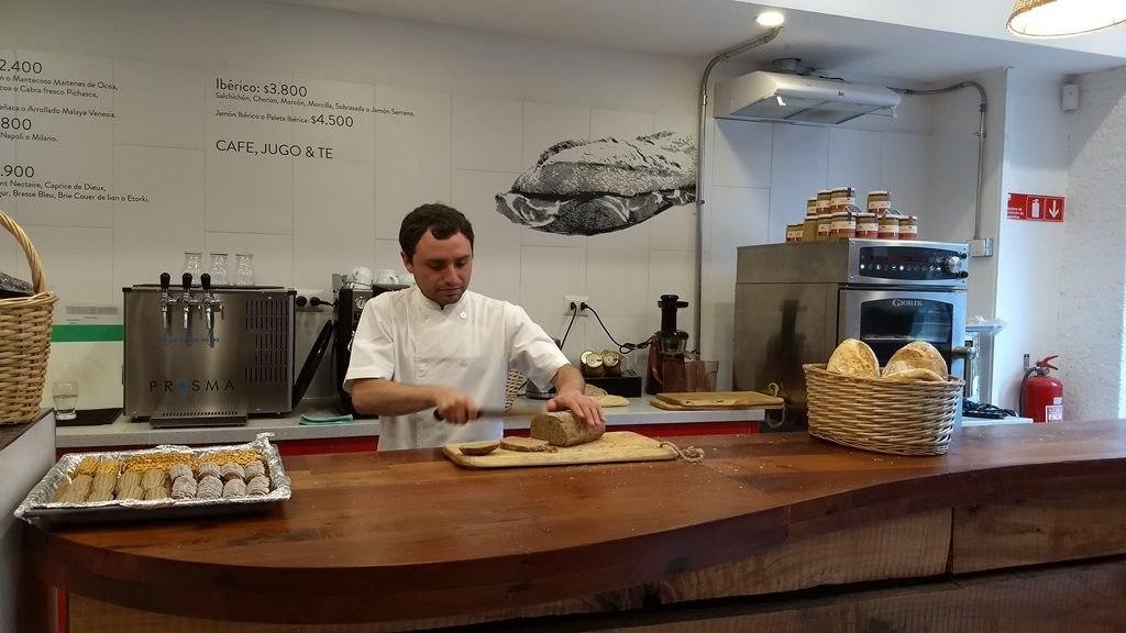 Dégustation pain à la Vinoteca