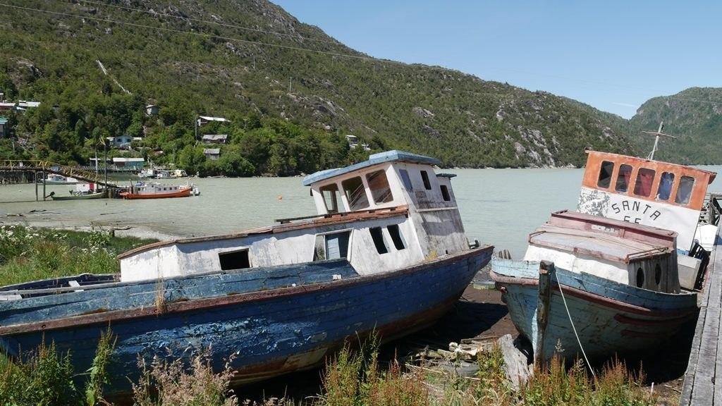 Caleta Tortel bateaux abandonnés - Carretera Austral