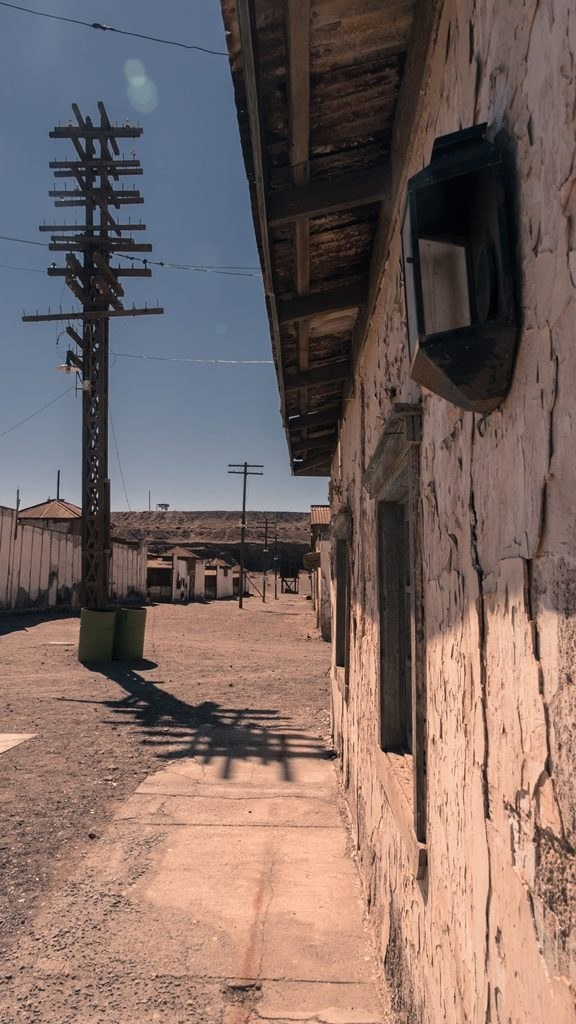 Mûrs décrépis des anciennes maisons ouvrières
