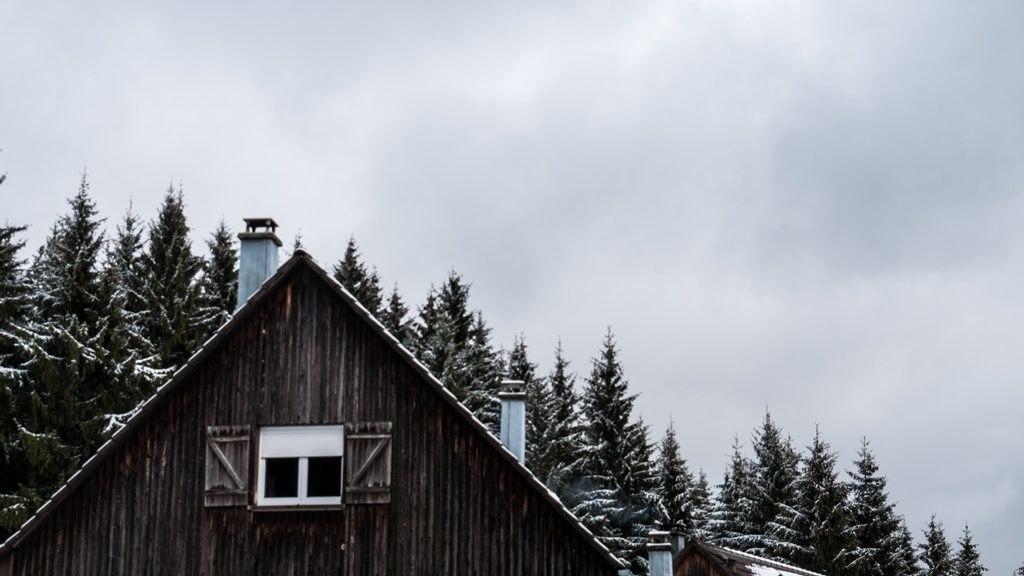 Hotel résidence etang devin dans les Vosges en hiver