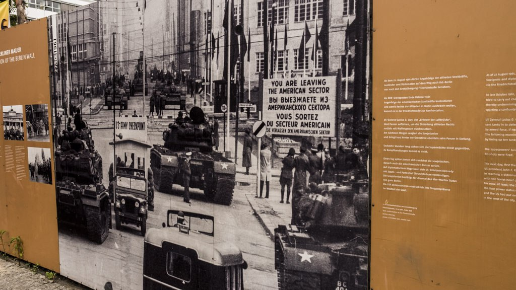 Checkpoint charlie photo archive